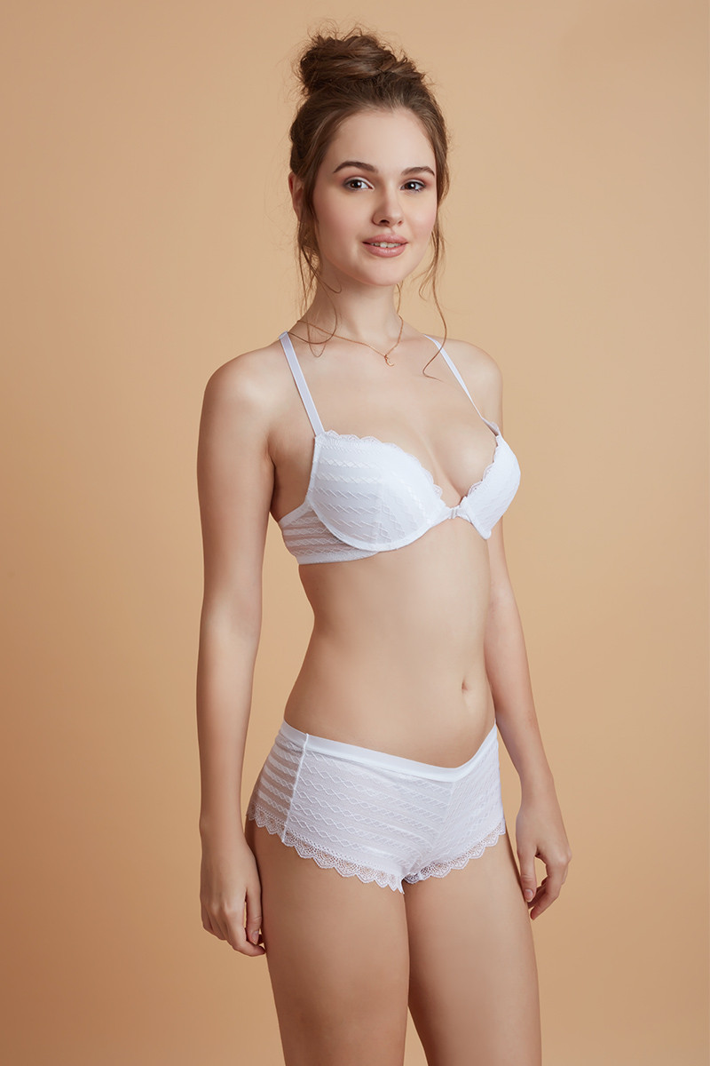 Buy Aztec Lace Front Open Bra With Boyshort Panty- White by Zivame at  Rs.1790 online  68b60c7a3