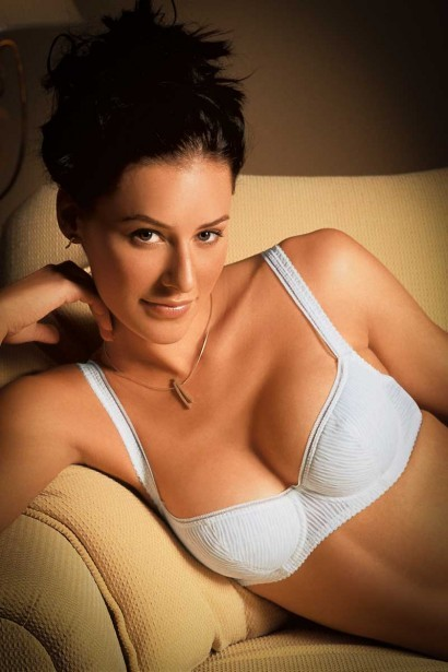 Enamor Lightly Padded Balconette Bra