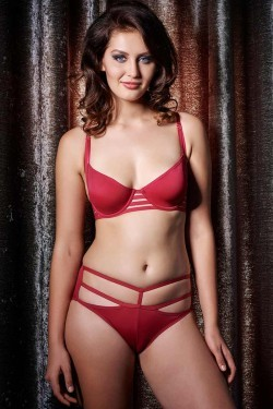 dc5ff83553 Buy Zivame On The Edge Of Love Wired Bra With Bikini Brief at Rs.2290  online