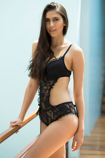 626d0f5263281 Buy Zivame All That Lace Moderate Push Up Teddy-Black at Rs.1397 online