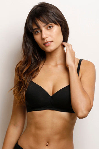 22a00d8fb0 Buy Zivame Lightly Padded Wirefree Bra- Black at Rs.452 online ...