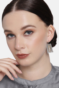 Buy Peora Gold Plated Brass Party Earrings Jewellary - Silver