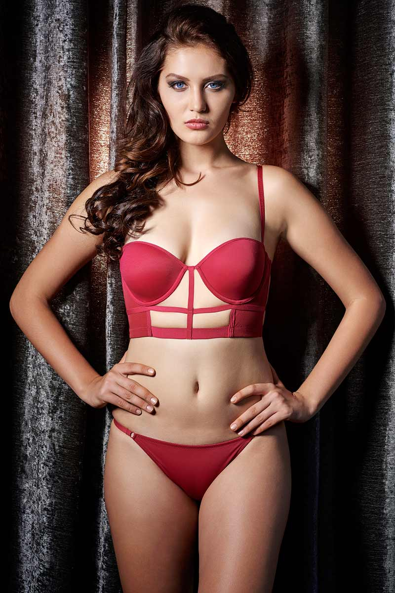 c4996ee19a Buy Zivame On The Edge Of Thrill Padded Wired Bra With Bikini Brief ...