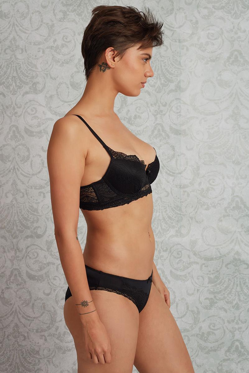 Black women bra and panties