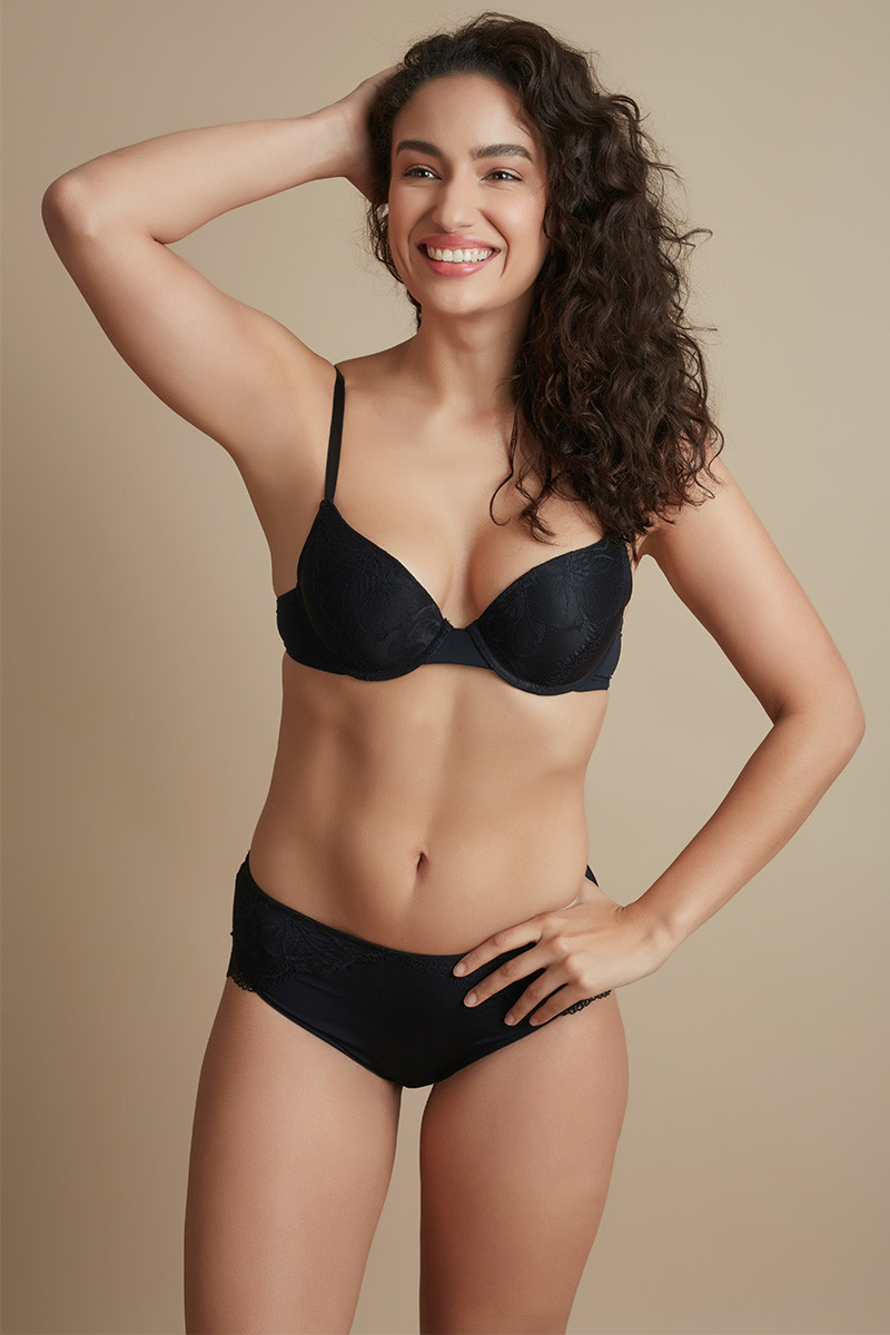 Buy Lingerie Online in India - Bras, Panties, Nightwears, Women's ...
