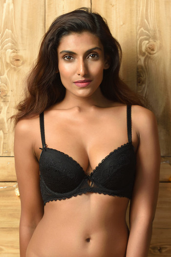 model image of Zivame All That Lace Gentle Lift Plunge Bra- Black