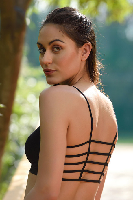 5bb4ac083d647 Buy Zivame Pretty Back Bralette- Black at Rs.796 online