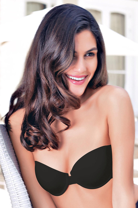 5a28bb67a3cad Buy Enamor Padded Underwired Strapless Multiway Bra-Black at Rs.999 ...