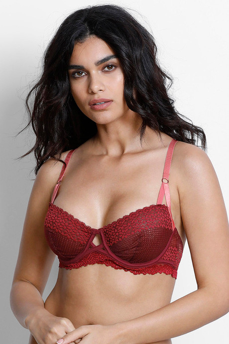 18d2eb84e48df Buy Zivame Moroccan Lace Double Layered Underwired Bra- Maroon at Rs ...